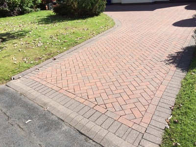 driveway cleaned in  featherstone
